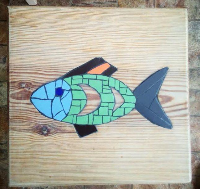 drewno inkrustowane mozaiką ceramiczną